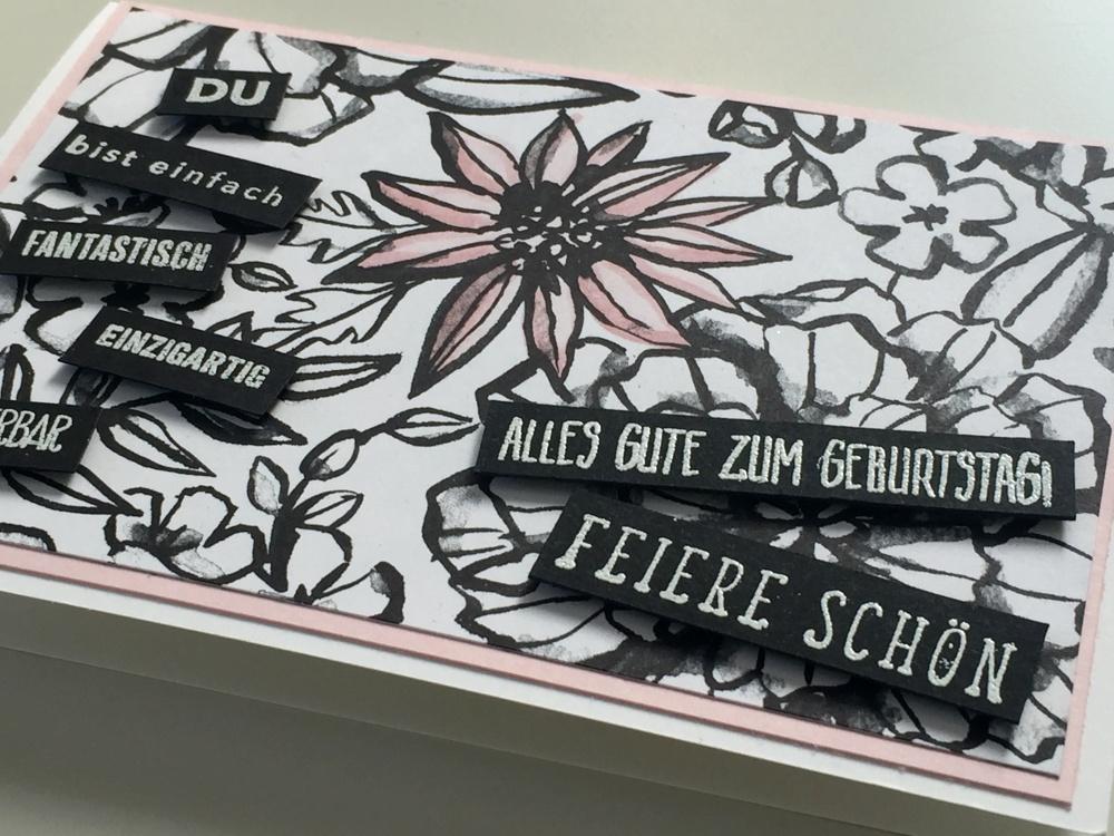 Schwarz Weiße Geburtstagskarte Mit Kolorierten Blüten
